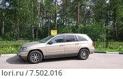 Припаркованный автомобиль (2015 год). Редакционное фото, фотограф Шайкина Наталья / Фотобанк Лори