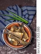 Купить «Жареные кусочки хариуса», фото № 7503080, снято 30 мая 2015 г. (c) Наталья Осипова / Фотобанк Лори