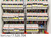 Купить «Электрический шкаф», фото № 7520704, снято 28 января 2020 г. (c) Mikhail Starodubov / Фотобанк Лори