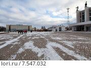 Купить «Ижевск. Центральная площадь», эксклюзивное фото № 7547032, снято 23 ноября 2014 г. (c) Сергей Лаврентьев / Фотобанк Лори