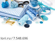 Купить «Материалы и аксессуары для шитья в синей гамме», фото № 7548696, снято 6 июня 2015 г. (c) Наталия Пыжова / Фотобанк Лори