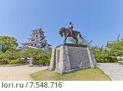 Купить «Конная статуя Тодо Такатора в замке Имабари, о. Сикоку, Япония. Такатора был японским даймё и основателем замка Имабари», фото № 7548716, снято 21 мая 2015 г. (c) Иван Марчук / Фотобанк Лори
