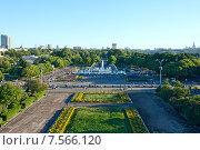 Купить «Москва. Вид со смотровой на  Парк Горького.», фото № 7566120, снято 12 июня 2015 г. (c) Татьяна Белова / Фотобанк Лори
