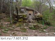 Волконский дольмен (2013 год). Редакционное фото, фотограф Ирина Яровая / Фотобанк Лори