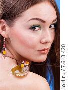Портрет девушки с украшениями крупным планом. Стоковое фото, фотограф Александр Сысоев / Фотобанк Лори