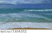 Купить «Морской пейзаж побережье в Индийском океане», видеоролик № 7614512, снято 19 мая 2015 г. (c) Михаил Коханчиков / Фотобанк Лори