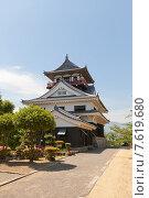 Купить «Главная башня (донжон) замка Каваноэ в Сикокутюо, о. Сикоку, Япония», фото № 7619680, снято 22 мая 2015 г. (c) Иван Марчук / Фотобанк Лори