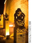 Купить «Китайские скульптуры в парке», фото № 7631188, снято 10 октября 2014 г. (c) Василий Кочетков / Фотобанк Лори