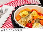 Купить «Рыба с овощами, приготовленная на пару в мультиварке», фото № 7635980, снято 3 июля 2015 г. (c) ирина реброва / Фотобанк Лори
