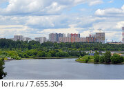 Купить «Вид на Москву-реку, Мякининскую пойму и микрорайон Митино», фото № 7655304, снято 17 июня 2015 г. (c) Александр Замараев / Фотобанк Лори