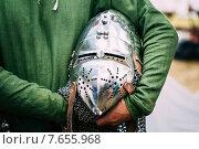 Купить «Шлем средневекового рыцаря», фото № 7655968, снято 19 июля 2014 г. (c) g.bruev / Фотобанк Лори