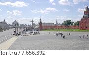 Купить «Москва. Городской пейзаж. Таймлапс», видеоролик № 7656392, снято 9 июля 2015 г. (c) Parmenov Pavel / Фотобанк Лори