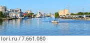 Купить «Панорама реки Преголи. Калининград», фото № 7661080, снято 17 октября 2018 г. (c) Сергей Куров / Фотобанк Лори