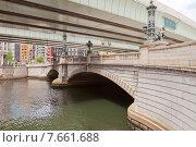 Купить «Знаменитый мост Нихонбаси в Токио, Япония. Нынешний вид с 1911 г. по дизайну Цумаки Ёринака», фото № 7661688, снято 25 мая 2015 г. (c) Иван Марчук / Фотобанк Лори