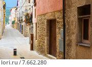 Купить «picturesque street in catalan town. Besalu», фото № 7662280, снято 20 июля 2019 г. (c) Яков Филимонов / Фотобанк Лори