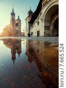 Купить «Восход солнца в Кракове, Польша», фото № 7665524, снято 2 мая 2015 г. (c) Liseykina / Фотобанк Лори