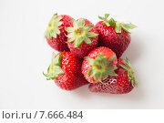 Купить «juicy fresh ripe red strawberries on white», фото № 7666484, снято 28 апреля 2015 г. (c) Syda Productions / Фотобанк Лори