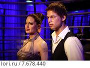 Berlin, Germany, Angelina Jolie and Brad Pitt at Madame Tussaud's Wax Museum (2010 год). Редакционное фото, агентство Caro Photoagency / Фотобанк Лори