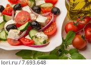 Греческий салат. Стоковое фото, фотограф Ника Денова / Фотобанк Лори