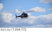 Вертолет в небе Таймыра (2015 год). Редакционное фото, фотограф Николай Новиков / Фотобанк Лори