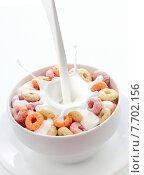 Купить «Bowl of colorful fruit loops breakfast cereal», фото № 7702156, снято 25 марта 2019 г. (c) PantherMedia / Фотобанк Лори
