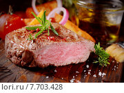 Купить «Succulent tender rare beef steak», фото № 7703428, снято 14 августа 2018 г. (c) PantherMedia / Фотобанк Лори
