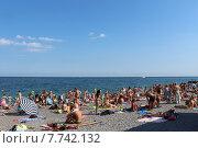 Купить «Крым, Ялта, пляж, набережная», фото № 7742132, снято 21 июня 2015 г. (c) Жанна Коноплева / Фотобанк Лори