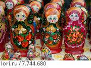 Купить «Матрёшки, русский национальный сувенир», эксклюзивное фото № 7744680, снято 11 июля 2015 г. (c) Svet / Фотобанк Лори