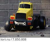 Купить «toy truck accident crash lorry», фото № 7850808, снято 26 мая 2019 г. (c) PantherMedia / Фотобанк Лори