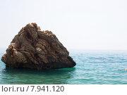 Камень в море, дикий пляж, Бельдиби, Турция. Стоковое фото, фотограф Светлана Чистякова / Фотобанк Лори