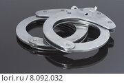 Купить «grey gray handcuffs black close», фото № 8092032, снято 19 апреля 2019 г. (c) PantherMedia / Фотобанк Лори