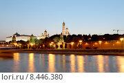 Купить «Вечерняя Москва, вид на набережную и Кремль», фото № 8446380, снято 26 июля 2015 г. (c) Владимир Журавлев / Фотобанк Лори