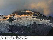 Закат в горах. Стоковое фото, фотограф александр жарников / Фотобанк Лори