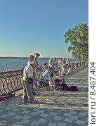 На набережной (2013 год). Редакционное фото, фотограф Иванцов Рустам / Фотобанк Лори