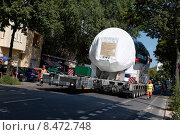 Купить «Berlin, Germany, low loader transports a 500-ton power plant gas turbine», фото № 8472748, снято 18 июля 2014 г. (c) Caro Photoagency / Фотобанк Лори