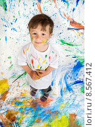 Купить «Boy playing with painting», фото № 8567412, снято 22 июля 2019 г. (c) PantherMedia / Фотобанк Лори