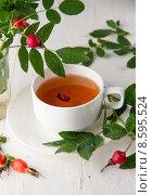 Чай из  шиповника. Стоковое фото, фотограф Ника Денова / Фотобанк Лори