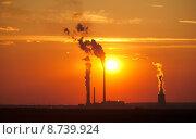 Купить «Large electric plant at sunset», фото № 8739924, снято 16 октября 2018 г. (c) PantherMedia / Фотобанк Лори