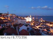 Купить «City view in Lisbon, Portugal (sunset)», фото № 8773556, снято 15 сентября 2019 г. (c) PantherMedia / Фотобанк Лори