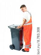 Купить «barrel mull dustbins dustman refuse», фото № 8783308, снято 21 марта 2019 г. (c) PantherMedia / Фотобанк Лори