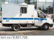 """Купить «Полицейский """"Автозак""""», эксклюзивное фото № 8851728, снято 23 июля 2015 г. (c) Алёшина Оксана / Фотобанк Лори"""