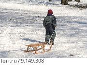 Купить «child winter snow sledge spa», фото № 9149308, снято 22 августа 2019 г. (c) PantherMedia / Фотобанк Лори
