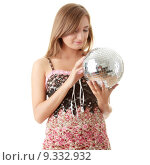 Купить «Young blond women with disco ball», фото № 9332932, снято 21 июля 2019 г. (c) PantherMedia / Фотобанк Лори