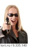 Купить «Portrait of the blonde with gun », фото № 9335140, снято 20 января 2019 г. (c) PantherMedia / Фотобанк Лори