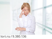 Купить «Young business woman with headache», фото № 9380136, снято 21 июля 2019 г. (c) PantherMedia / Фотобанк Лори
