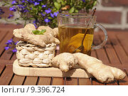 Купить «glass tea root ginger tumbler», фото № 9396724, снято 25 мая 2018 г. (c) PantherMedia / Фотобанк Лори