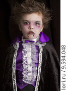 Купить «young child costume halloween case», фото № 9594048, снято 20 июня 2019 г. (c) PantherMedia / Фотобанк Лори