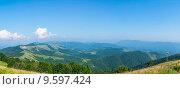 Купить «Панорама гор. Геленджик», фото № 9597424, снято 29 июля 2015 г. (c) Василий Аксюченко / Фотобанк Лори