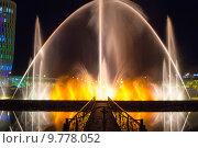Купить «Шоу танцующих фонтанов в центре Батуми. Грузия», фото № 9778052, снято 9 июля 2013 г. (c) Евгений Ткачёв / Фотобанк Лори