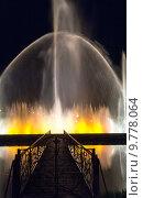 Купить «Шоу танцующих фонтанов в центре Батуми. Грузия», фото № 9778064, снято 9 июля 2013 г. (c) Евгений Ткачёв / Фотобанк Лори